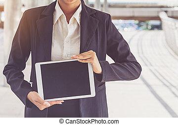 byen, bruge, tøjsæt, tablet, businesswoman