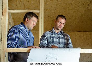 bygning, diskuter, bygmestre, to, plan