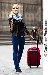 cámara, joven, hembra, viajero