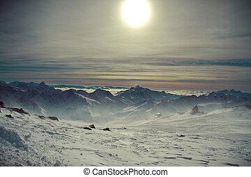 cáucaso, montanhas