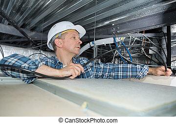 câblage, industriel, électricien, espace grenier