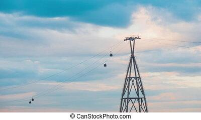 câble, contre, voiture, gondole, en mouvement, ascenseur, ciel nuageux, jeûne, coucher soleil, timelapse, système, -