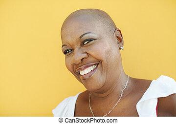 câmera, mulher sorridente, maduras, africano