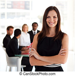 câmera, mulher sorridente, negócio, feliz