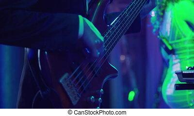 célébration, musicien, hall., guitare, banquet, bande mariage, exécuter