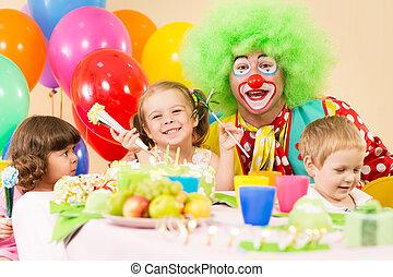 célébrer, anniversaire, gosses, clown, fête