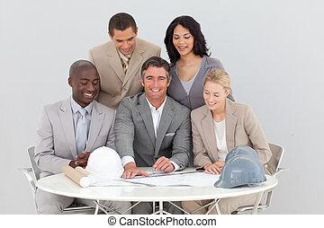 célébrer, equipe affaires, multi-ethnique, reussite