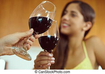 célébrer, femmes, vin rouge