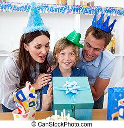 célébrer, leur, anniversaire, son's, aimer, parents