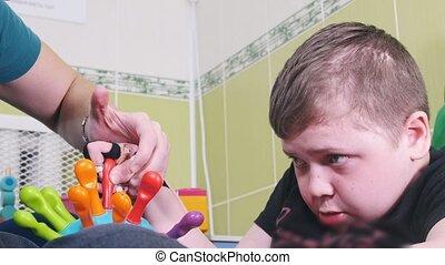 cérébral, effort, pousser, salive, détail, developmenting., égouttement, palsy., bouche, moteur, enfant, techniques, carrier., amende, occupation