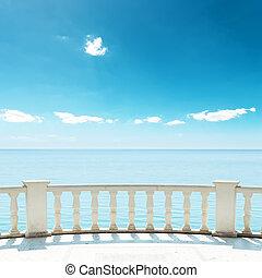 céu azul, fundo mar, sob, sacada