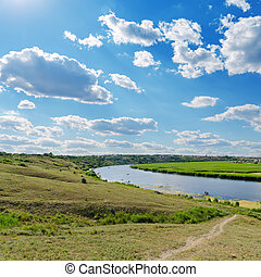 céu nublado, sobre, rio