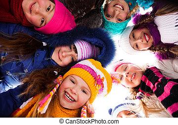 círculo, crianças, exterior, feliz