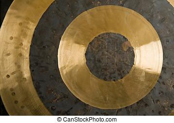 círculos concéntricos, en, latón