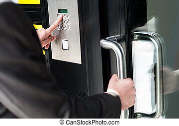 código, porta, destranque, entrar, homem segurança