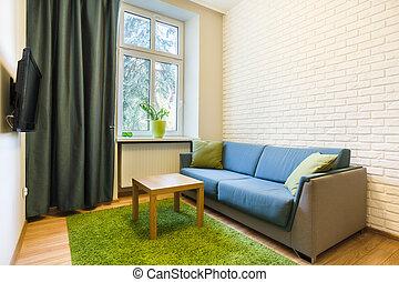 cómodo, sofá, en, pequeño, plano