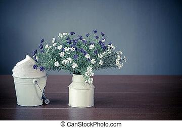 cópia, e, espaço, vaso, de, wildflowers, branco, tabela madeira