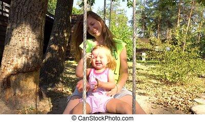 córka, drewniany, pod, drzewo, macierz, flip-flap