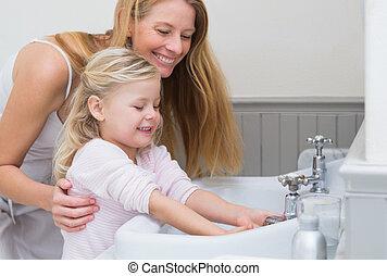 córka, siła robocza, myć, szczęśliwy, macierz