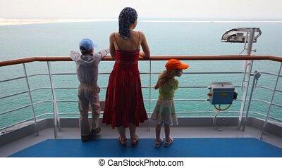 córka, stoi, pokład, macierz, syn, statek rejsu