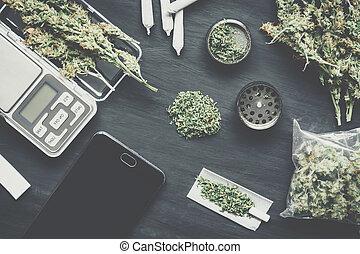 cônes, cannabis, vendange, broyeur, couleur, fleurs, déchiqueté, balances, marijuana