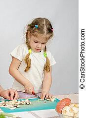 côtelette, peu,  stands, champignons, aides,  table,  girl, couteau, cuisine