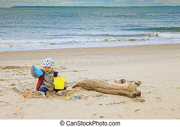 CÙte, Junge, Spielzeuge,  baby, sandstrand, spielende