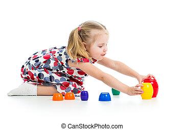 CÙte, sobre, criança, isolado, tocando, brinquedos, branca, menina