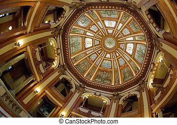 cúpula dourada