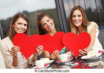 cœurs, café, trois, petites amies, tenue