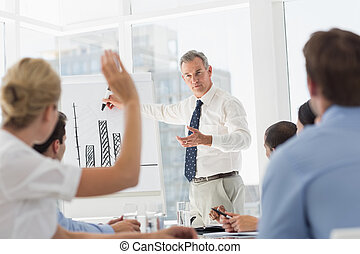 c senior, présentation, homme affaires, barre