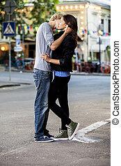 całowanie, para, ulica, młody
