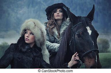 caballo, romántico, modelos, dos, posar, hembra