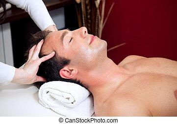 cabeça, homem, massagem, tendo