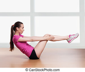 cabeça, mulher, malhação, crunches, exercitar, um, atrás de, braços, condicão física