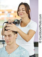 cabeleireiras, no trabalho, fazer, corte cabelo