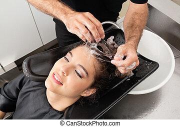 cabeleireiros, mão lavando, customer's, cabelo