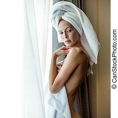 cabelo, embrulhado, mulher, toalha, jovem