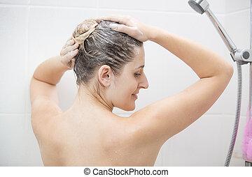 cabelo, mulher, lavando, shampoo, chuveiro, excitado, vista traseira