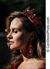 cabeza, mujer, ella, corona, joven, lujoso, vestido, rojo
