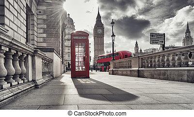 cabine téléphonique rouge, et, grand ben, dans, londres, angleterre, les, uk., les, symboles, de, londres, dans, noir, blanc, colors.