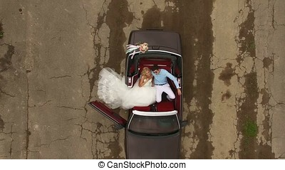 cabriolé, car, casório, vista, de, topo, aéreo
