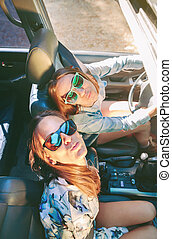 cabriolet, auto, innenseite, spaß, frauen, haben, glücklich