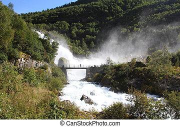 cachoeira, em, noruega