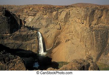 cachoeira, em, rio alaranjado, desfiladeiro