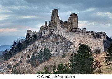 cachtice, castello, rovine