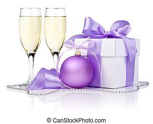 cadeau, pourpre, isolé, deux, arc, verre, fond, blanc, champagne, balle, noël, ruban