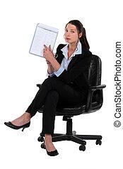 cadeira, mulher, área de transferência, apontar, sentando