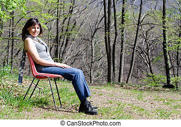 cadeira, mulher, floresta, sentando