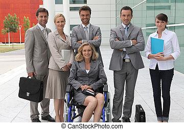 cadeira rodas, mulher, colegas